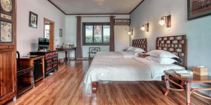 Yangshuo Mountain Retreat riverside guestroom.