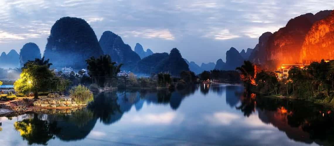 Thinsg to do in Guilin - Li River Cruise to Yangshuo Mountain Retreat