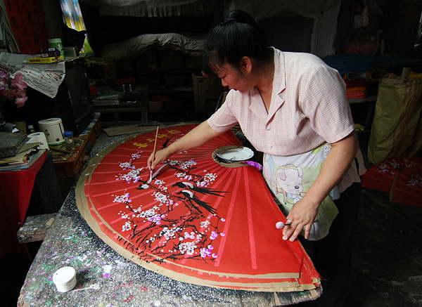 Fan painting fuli village Yangshuo recommended by Yangshuo Mountain Retreat