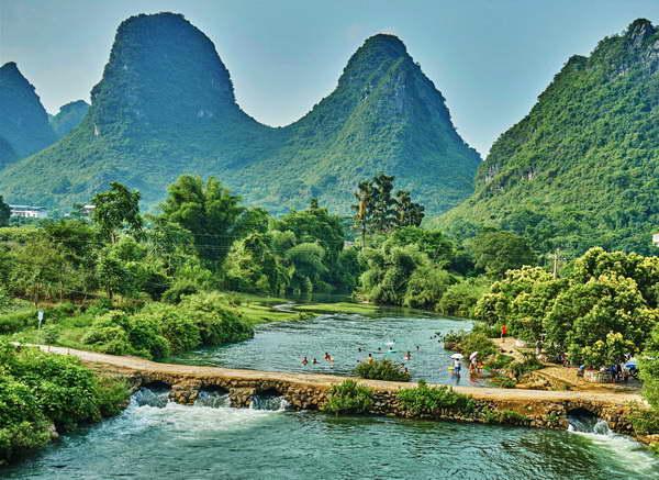 The Yu Long River Hike